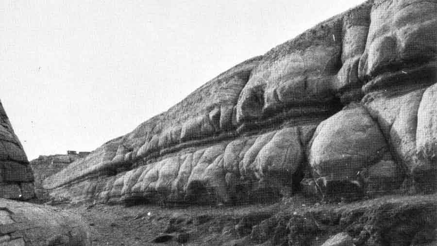 Figure 38. Rain erosion of the Sphinx enclosure